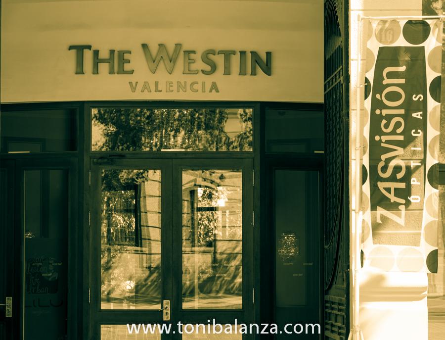 Cuarenta 40 aniversario de Zas visión Cooptival - Hotel The Westin Valencia. OPTICA BENIMAMET y Toni Balanzà, premiados y fotógrafo oficial de las jornadas.