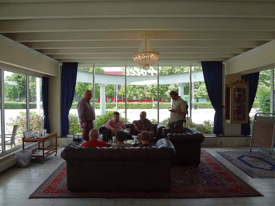 Hall del hotel donde me dan la noticia de pertenecer a la junta directiva de la FEP
