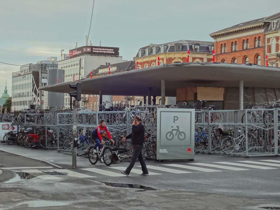 Parking público de bicicletas en Copenhague - Dinamarca