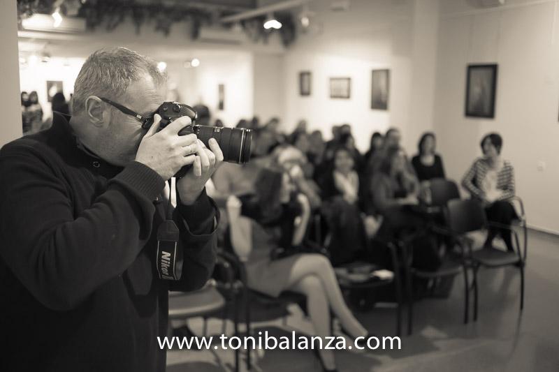 Juanjo Alcaide fotógrafo de photofinish de Bocairent con Toni Balanzà