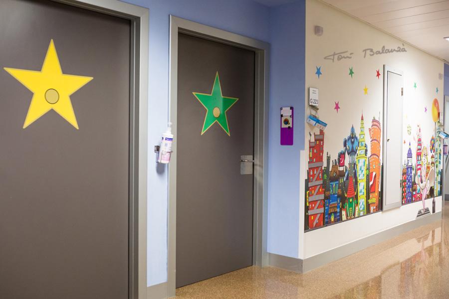 Pasillos para los niños con leucemia en el hospital La Fe de Valencia