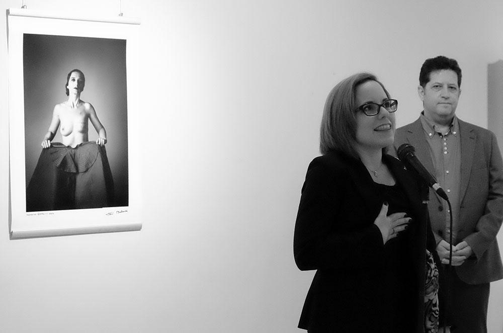 Laura Pousada, habla sobre su experiencia como modelo de fotografía de mujer mastectomizada