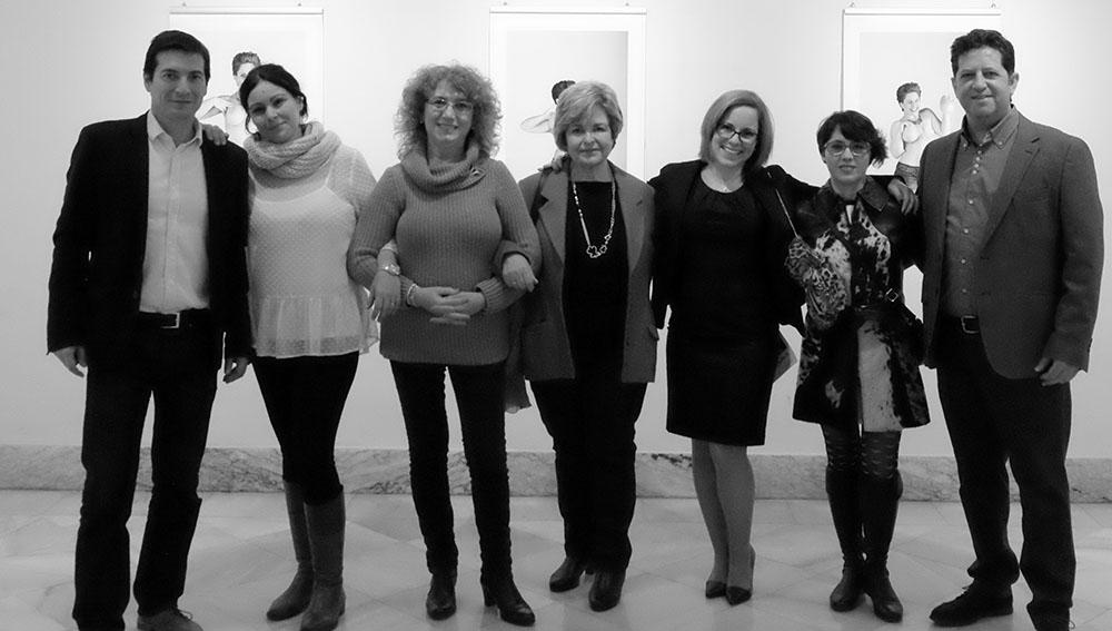 Fotografia de grupo en Casa Cultura de Burjassot con el alcalde