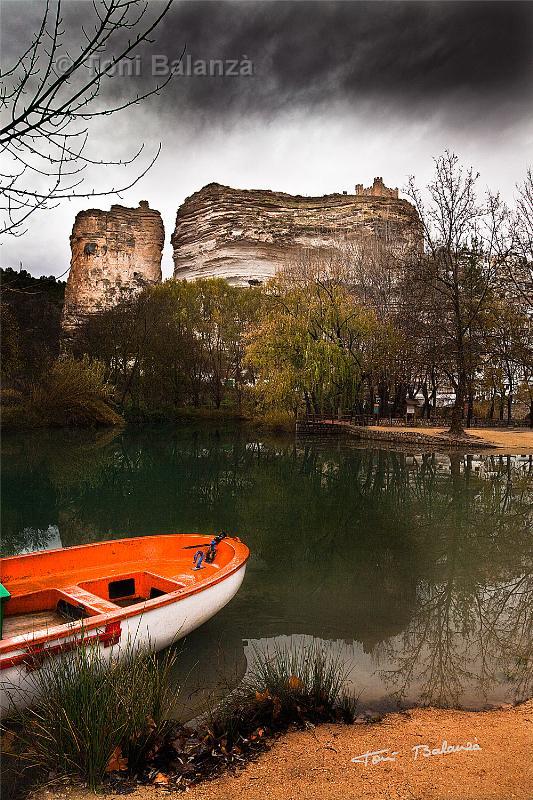 La Barca y el castillo de Alcalá del Jucar