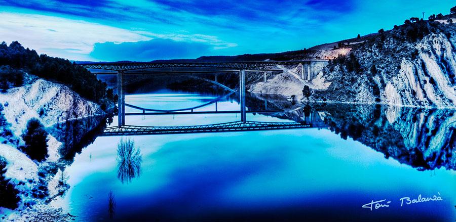 Puente en el Pantano de Contreras en HDR