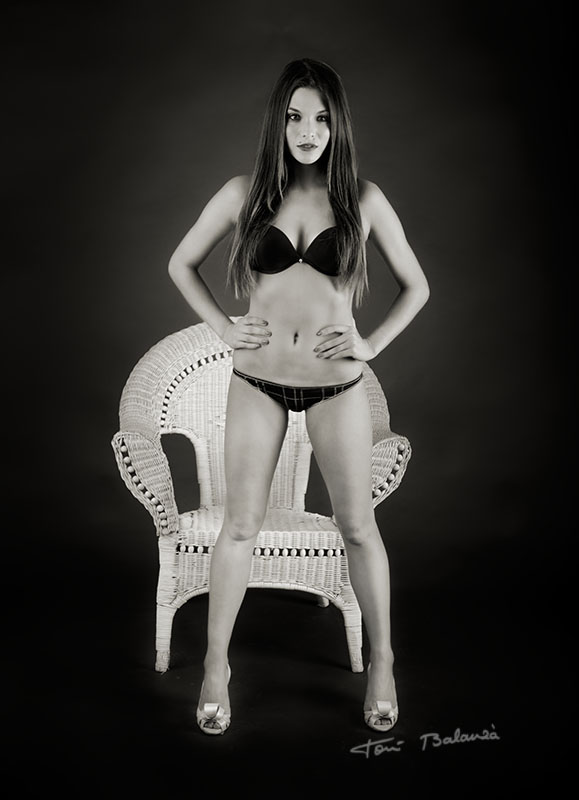 Luisa nude art in black and white