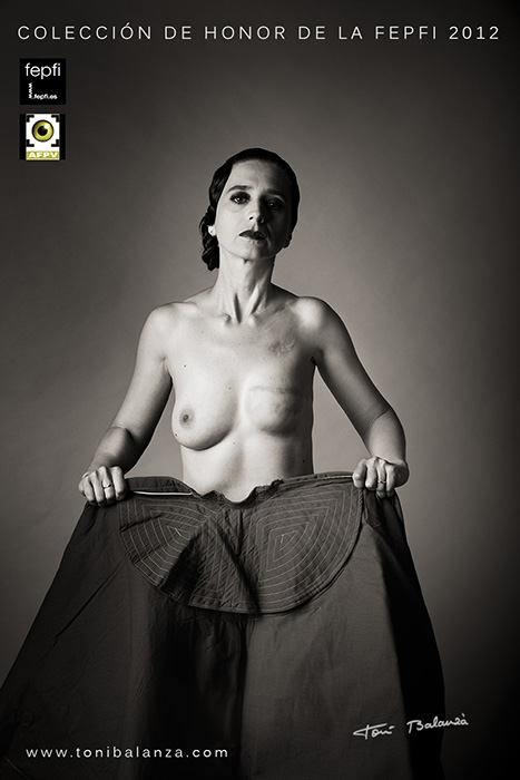 Torero mastectomizada fotografía calificada como Excelente en desnudo por la fepfi