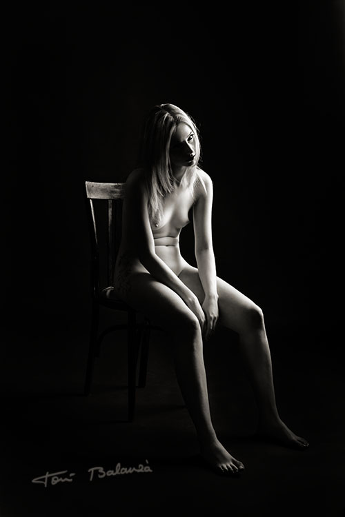 Sally nude art-black and white
