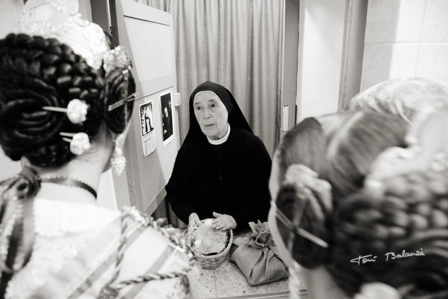 entrega de huevos al convento de Santa Clara de Valencia