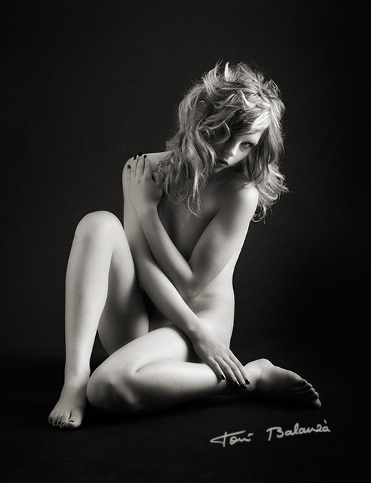 claudia nude art in black and white