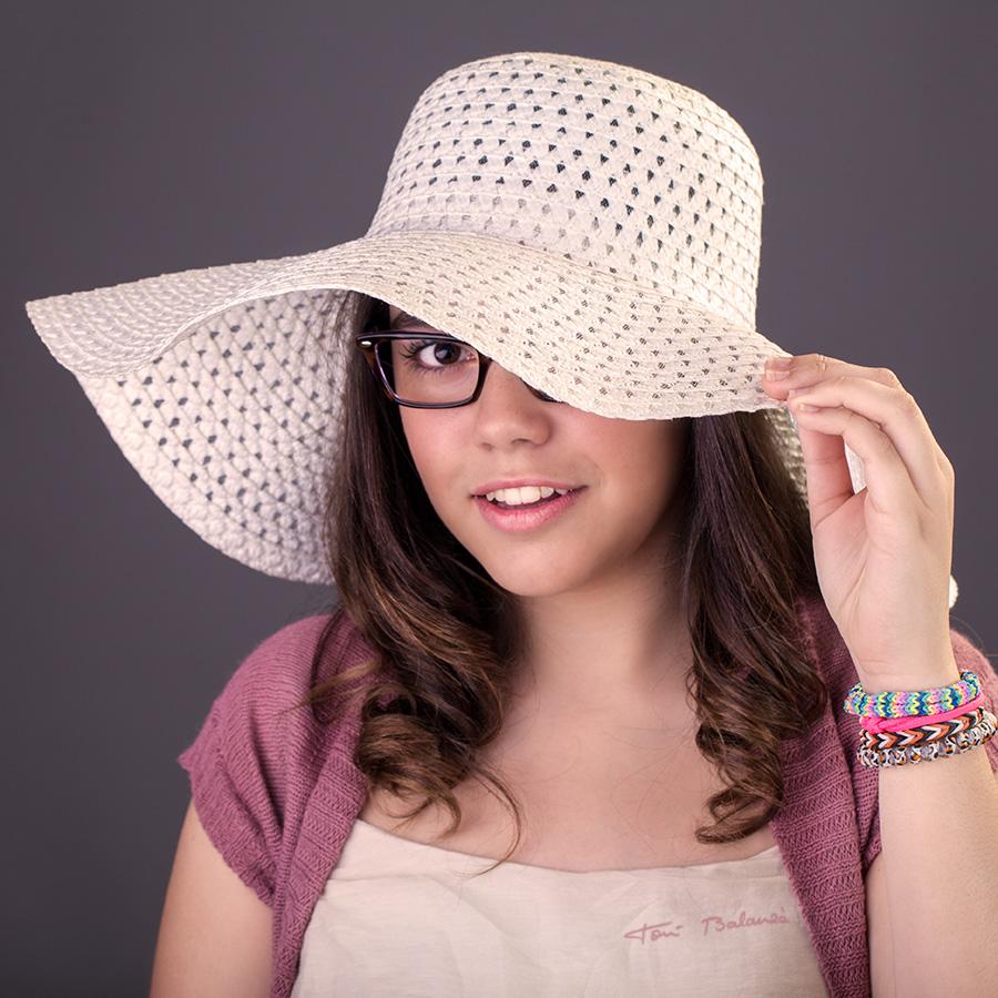 Teresa-chica con gafas graduadas