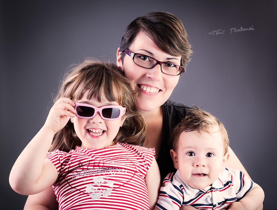 Vanessa y su hija con jafas de optica benimamet