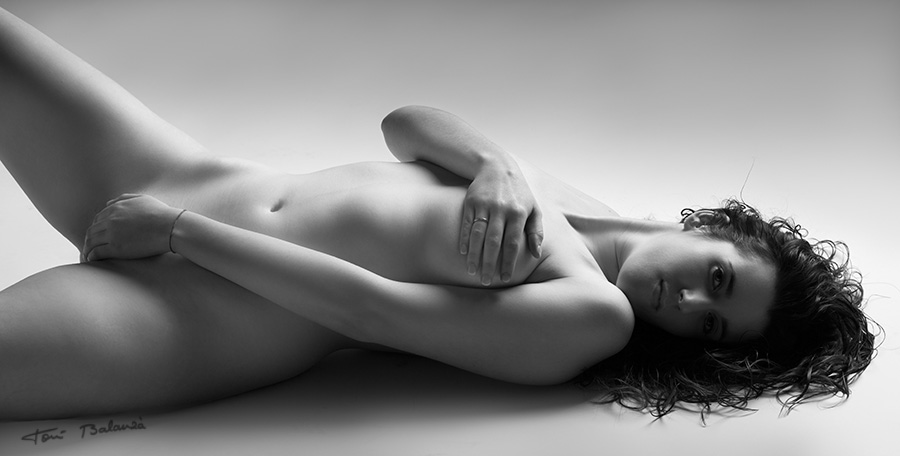 nude art black and white spain