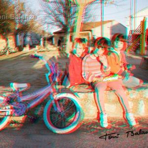 Anna, Lucía y Alex - El primer día que Anna va en bicicleta sin ruedecitas