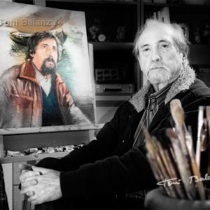 Retrato del pintor Julio Cortés por Toni Balanzà - Retrato del pintor Julio Cortés en su estudio de Benimàmet-Valencia. En segundo plano un autoretrato del  Julio Cortés que pintó 25 años antes.
