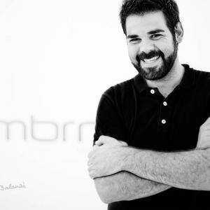 Jose Zambrano - Disenyador - El diseñador valenciano Jose Zambrano  en un retrato de Toni Balanzà