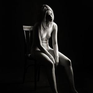 Sally nude art-black and white - Girl nude art-black and white. Desnudo artístico en blanco y negro. Fotografía fine art para coleccionistas.