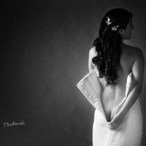 Neroli en el proyecto boda sexy - Carmen Neroli en una de las imágenes del proyecto bodasexy.com que presentamos en noviembre de 2013. Fotografías de novias sexy por el fotógrafo de desnudo artístico Toni Balanzà.