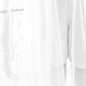 fotografía en blanco y negro del tul y el culete de la novia - fotografía muy erótica y sexy, del cuerpo de la novia. Pertenece a la colección de www.bodasexy.com