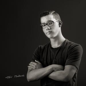 jags-retrato con gafas -