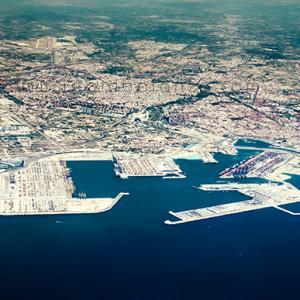 Valencia vista aerea desde el puerto mar mediterraneo -