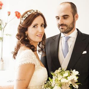 Fotografo de boda en Valencia - Reportaje fotográfico de boda en Valencia. Boda en el Santo Cáliz de la Catedral de Valencia. Fotografías de novia y fotografías de novios por Toni Balanzà.